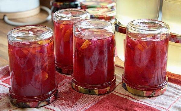 Marmelade selber machen Glaeser umdrehen