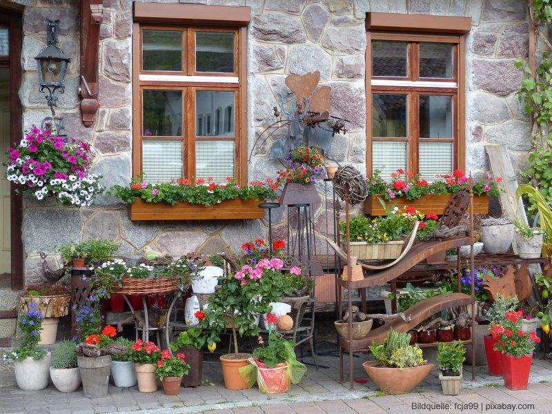 Gartengestaltung mit Pflanzkübeln